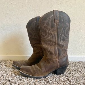 Size 7 Women's brown Ariat Boots
